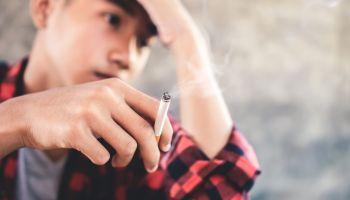 O que leva os jovens a experimentar drogas?